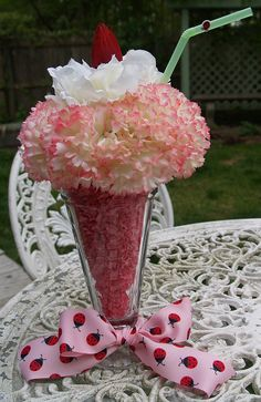 ice cream soda floral centerpiece