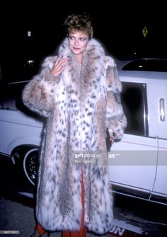 Actress Emma Samms attends Scruples by Volere Furs Boutique Grand Opening Celebration on September 1986 at Scruples by Volere Fur Boutique, 8600 Sunset Blvd. in West Hollywood, California. Get premium, high resolution news photos at Getty Images Fall Fashion Outfits, Fur Fashion, Autumn Fashion, Womens Fashion, Vintage Fur, Fur Coats, Lynx, Fox Fur, Style Guides