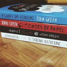 """Quero todos!!! Tive a oportunidade de ler o primeiro """"A culpa é das estrelas"""", amei! Agora quero ter todos na minha 'pequena' coleção ;)"""