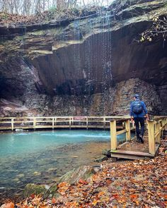 Summerville's James H. Floyd State Park Has A Secret Blue Spring - Narcity This Trail In Georgia Will Lead You To A Secret Blue Spring Beautiful Places To Visit, Cool Places To Visit, Places To Travel, Travel Destinations, Vacation Trips, Vacation Spots, Day Trips, Waterfalls In Georgia, Hiking In Georgia