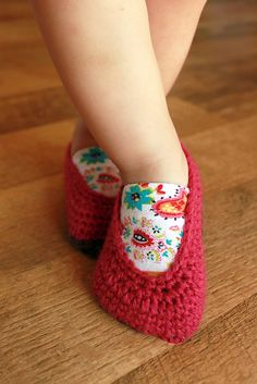 crochet shoes are great for babies where all we'll see in portraits are the bottom of the shoes
