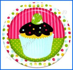 Sweet Treats: 8 / 9 Dinner Plates - Great Cupcake Themed Birthday Party Supplies!