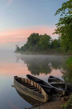 I want a canoe  on a lake
