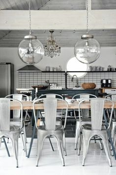 Dining table with hairpin legs, metal chairs