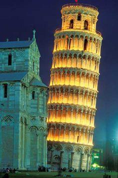 Torri pendenti a Pisa: Santa Maria Assunta, San Nicola e San Michele degli Scalzi