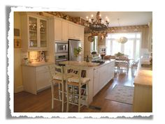 The old Painted Cottge-Cottage of the Month April 2009 Romantic Kitchen, Shabby Chic Kitchen, Kitchen Pantry, Kitchen Dining, Dining Rooms, Kitchen Ideas, Cozy Cottage, Shabby Cottage, Kitchen Breakfast Nooks