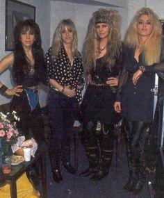 80s Female Rockers, 80s Rock Fashion, Rebel, Heavy Metal Girl, 80s Costume, Women Of Rock, Estilo Rock, Girl Bands, Glam Rock