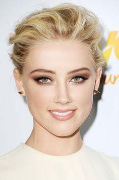 Love her Summertime smoky eyes! Bronze Smokey Eye, Smoky Eyes, Smokey Eye Makeup, Makeup Eyeshadow, Amber Heard Makeup, Amber Heard Hot, Color Me Beautiful, Pixie, Celebrity Makeup