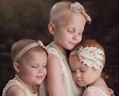 Strength in numbers: How three little girls with cancer are inspiring thousands with their message of hope. A heartwarming photo of three young girls from Oklahoma who are fighting cancer has inspired thousands of people after it went viral online. Beat Cancer, Kidney Cancer, Cancer Facts, Cancer Cure, Thyroid Cancer, Prostate Cancer, Childhood Cancer Awareness, Breast Cancer Awareness, Toddler Girls