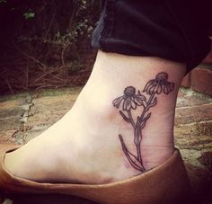 55 Attractive Foot Tattoo Designs-- don't think there's any here that I want, but there's several that are cute. Ankle Tattoo Designs, Ankle Tattoos, Love Tattoos, Sexy Tattoos, Beautiful Tattoos, Body Art Tattoos, Nature Tattoos, Lucky Draw Tattoo, Get A Tattoo