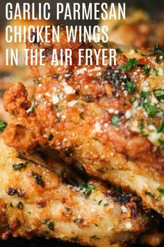 Garlic Parmesan Chicken Wings in an Air Fryer - Slm&DinnerRecipesChicken Air Fry Chicken Wings, Teriyaki Chicken Wings, Frozen Chicken Wings, Garlic Chicken Wings, Stuffed Chicken Wings, Crispy Chicken Wings, Chicken Breasts, Fried Chicken, Air Fryer Recipes Low Carb