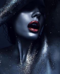 Step into the Pupa world and find out what's new in beauty. Buy online our complete make-up and skin care range, fragrances, make-up collections and beauty kits. Photography Inspo, Photo, Face Art, Creative Portraits, Beauty Photography, Portraiture, Female Art, Glitter Photography, Black Women Art