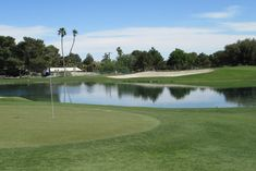 The Las Vegas National Golf Club is just the thing to make you forget you are in the heart of the desert.