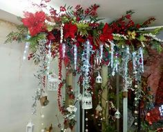 48 Amazing Hanging Ornament Ideas To Add Enliven Christmas Day All Things Christmas, Christmas 2019, Christmas Home, Christmas Wreaths, Christmas Crafts, Christmas Ornaments, Christmas Ideas, Christmas Doorway Decorations, Holiday Decor
