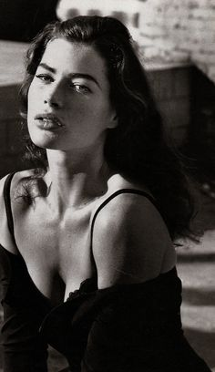 Carré Otis was a sexier, darker, more soulful Cindy Crawford and was a much better model too.
