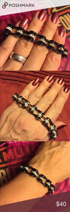 harley davidson chain bracelet. new. black enamel and crystal