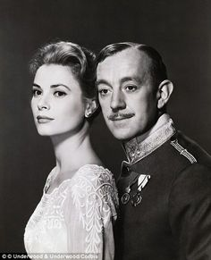 Grace Kelly and Alec Guiness  - The Swan,