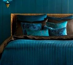 Romantic and Casual Bedroom Decorating Ideas, Peacock Comforter Teal Bedroom « Flooring « Room « Design Images, Photos and Pictures Gallery « DesignWagen Dark Teal Bedroom, Peacock Bedroom, Bedroom Colors, Bedroom Sets, Teal Bedrooms, Jewel Tone Bedroom, Peacock Bedding, Master Bedroom, Peacock Decor
