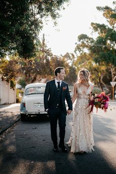 bride wears gold willowby by watters with gold amaroq crown and vibrant pink bouquet for fremantle wedding Cheap Wedding Dress, Wedding Gowns, Dream Wedding, Wedding Day, Brunch Wedding, Gold Wedding, Midnight Wedding, Hawaii Wedding, Second Weddings