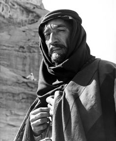 Anthony Quinn as Auda Abu Tayi I Lawrence of Arabia directed by David Lean, 1962 Vintage Hollywood, Classic Hollywood, Hollywood Stars, Lion Of The Desert, David Lean, Lawrence Of Arabia, Anthony Quinn, Best Supporting Actor, Great Films