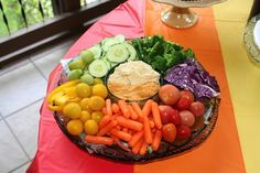 A (Naturally Colored) Rainbow Party - 100 Days of Real Food Low Carb Recipes, Real Food Recipes, Great Recipes, Good Healthy Snacks, Healthy Eating Tips, Veggie Platters, Crudite, Rainbow Food, Frozen Meals