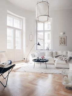 Dress Up Kitchen, Living-Family Room or Bathroom Walls in Stylish and Simple Ways Living Room Designs, Living Room Decor, Living Spaces, Living Rooms, Apartment Interior, Apartment Living, Scandinavian Living, Living Room Remodel, Design Blogs