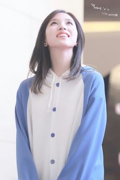 twice - mina South Korean Girls, Korean Girl Groups, Penguin World, Sana Momo, Twice Kpop, Myoui Mina, Japanese American, Nayeon, Penguin
