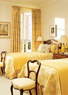 Yellow twin bedroom with antiques for a guest room. Home Bedroom, Bedroom Decor, Modern Bedroom, Bedroom Ideas, Design Bedroom, Yellow Bedding, Bedding Sets, Cool Apartments, Guest Bedrooms