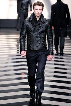 Roberto Cavalli - Men Fashion Fall Winter 2012-13 - Shows - Vogue.it