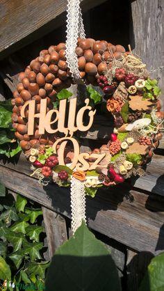 őszi mogyorós kopogtató (Levendula0321) - Meska.hu Thanksgiving Crafts, Holidays And Events, Fall Decor, Diy Home Decor, Diy And Crafts, Christmas Wreaths, Seasons, Autumn, Halloween