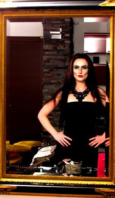 Halloween 2011  I took an inspiration from the look of Morticia Addams *_*