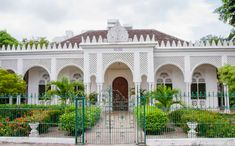 casa cartagena - Google Search Colonial Exterior, Outdoor Living, Mansions, Google Search, House Styles, Home Decor, Cartagena, Outdoor Life, Decoration Home
