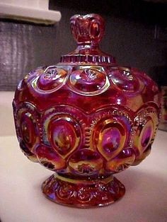 GORGEOUS L E SMITH RED IRIDESCENT ART GLASS MOON&STARS LG FOOTED COMPOTE & LID