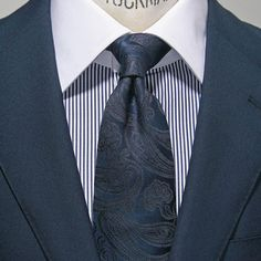 同柄ジャカードペイズリーで程よい好感度 Suit Fashion, Mens Fashion, Mens Tailor, Suit And Tie, Solomon, Dress Codes, Mens Suits, Men Dress, Outfits