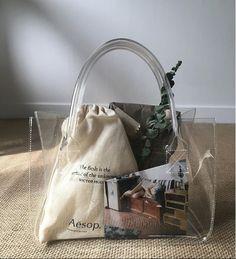 니어치즈 pvcbag Clear Handbags, Clear Tote Bags, Transparent Bag, Estilo Fashion, Mode Outfits, Fashion Bags, Paper Shopping Bag, Bag Accessories, Purses And Bags