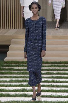 Chanel Spring 2016 Couture Fashion Show - Tami Williams (Elite)