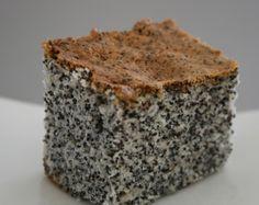 עוגת פרג אוורירית. מתכון של קרין גורן Cake Receipe, Dessert Cake Recipes, Desserts, Other Recipes, Sweet Recipes, Chocolate Deserts, Cheesecake Bites, Jewish Recipes, Coffee Cake