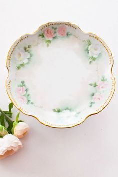 1960s Vintage Pastel Floral Cake Stand from Sweet & Spark! Vintage Costume Jewelry, Vintage Costumes, Vintage Jewelry, Pastel Floral, Floral Cake, New Today, Glass Candle Holders, Vintage Home Decor, Chinoiserie