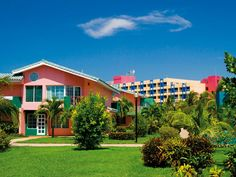 Barceló Solymar Arenas Blancas, Varadero Cuba Varadero Cuba, Station Balnéaire, Holiday Destinations, Favorite Holiday, Resorts, Mansions, House Styles, Places, Travel