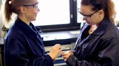 Savonia-ammattikorkeakoulu - Kone- ja tuotantotekniikka - Reetta ja Joanna