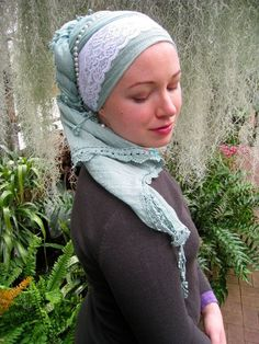 From Wrapunzel.com || I really, REALLY need a mint scarf!
