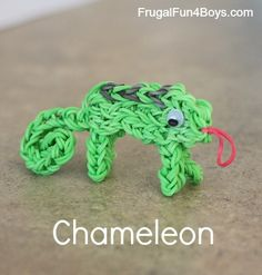 Chameleon Charm Rainbow Loom Tutorial. So want to make this.