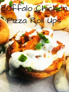 Buffalo Chicken Pizza Roll Ups are so extra yummy and the perfect amount of spice and cheesiness, extra good topped with ranch dressing! Buffalo Chicken Rolls, Shredded Buffalo Chicken, Ham Rolls, Pizza Roll Up, Bbq Chicken Salad, Loaded Sweet Potato, Tater Tot Casserole, Appetisers, Yum Yum Chicken