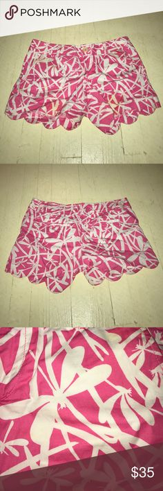 pink dragonfly lilly pulitzer shorts only worn once - in great condition but a little dirty from being in my closet for so long, will wash before i ship:) looking to get rid of so make an offer! Lilly Pulitzer Shorts