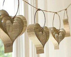 Corazones de papel reciclado