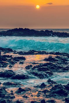 Big Island Sunset - Hawaii By Robin Pereira