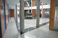 Pavimento in granito Kashmir White Ferrari, Divider, Room, Furniture, Home Decor, Bedroom, Decoration Home, Room Decor, Rooms