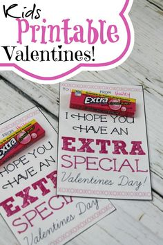 Kids Printable Valentines Using Extra Gum! - Kids Printable Valentines Using Extra Gum! Easy Valentine's Day Treats for Kids! Valentines Bricolage, Kinder Valentines, Valentines Day Treats, Valentine Special, Valentine Day Crafts, Happy Valentines Day, Valentine Ideas, Homemade Valentines, Printable Valentine