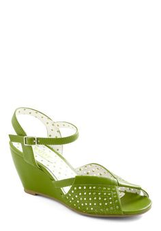 These pea-green shoes are perfect for representing the background of the painting! #modcloth #tremblett