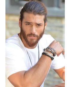 Turkish Men, Turkish Actors, How To Look Handsome, Handsome Man, Beard Lover, Famous Men, Gorgeous Men, Beautiful, Foto E Video